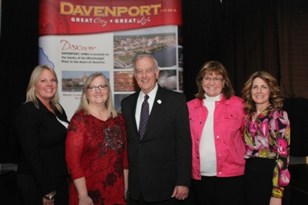 Beth, Melissa, Mayor Bill Gluba, Mary & Lauri at Davenport Volunteer Award dinner.